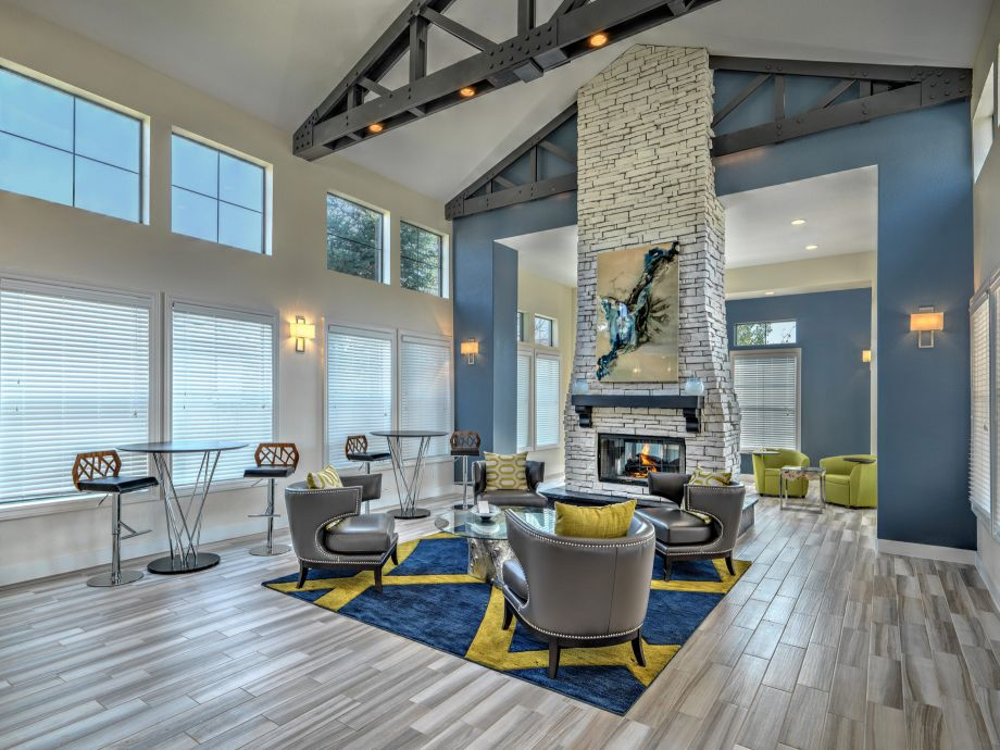 Resident Lounge at Camden Highlands Ridge Apartments in Highlands Ranch, CO
