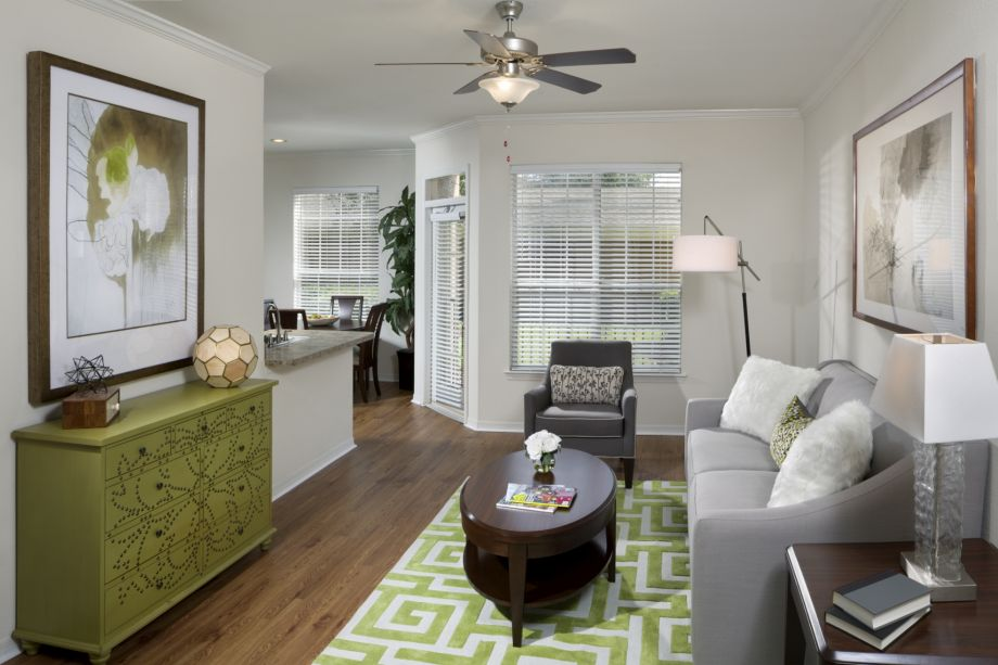 Living Room at Camden Lago Vista Apartments in Orlando, FL