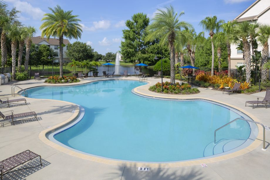 Pool at Camden Lago Vista Apartments in Orlando, FL
