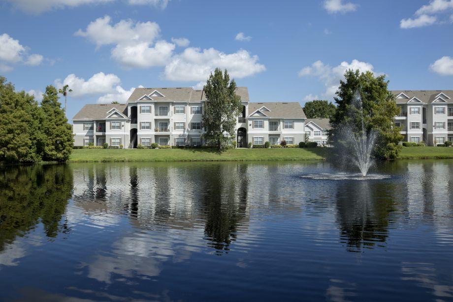 Fountain View at Camden Lee Vista Apartments in Orlando, FL