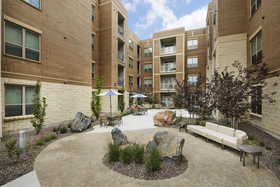 Courtyard with Outdoor Lounge Space at Camden Lincoln Station Apartments in Lone Tree, CO