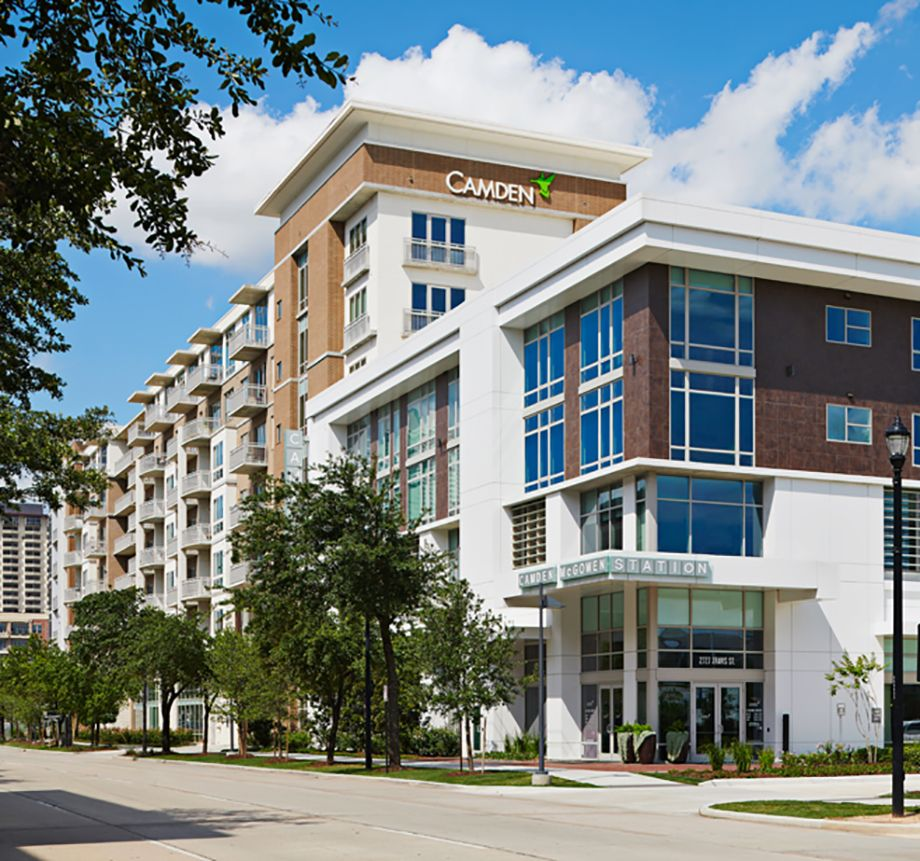 Exterior of Camden McGowen Station Apartments in Houston, TX