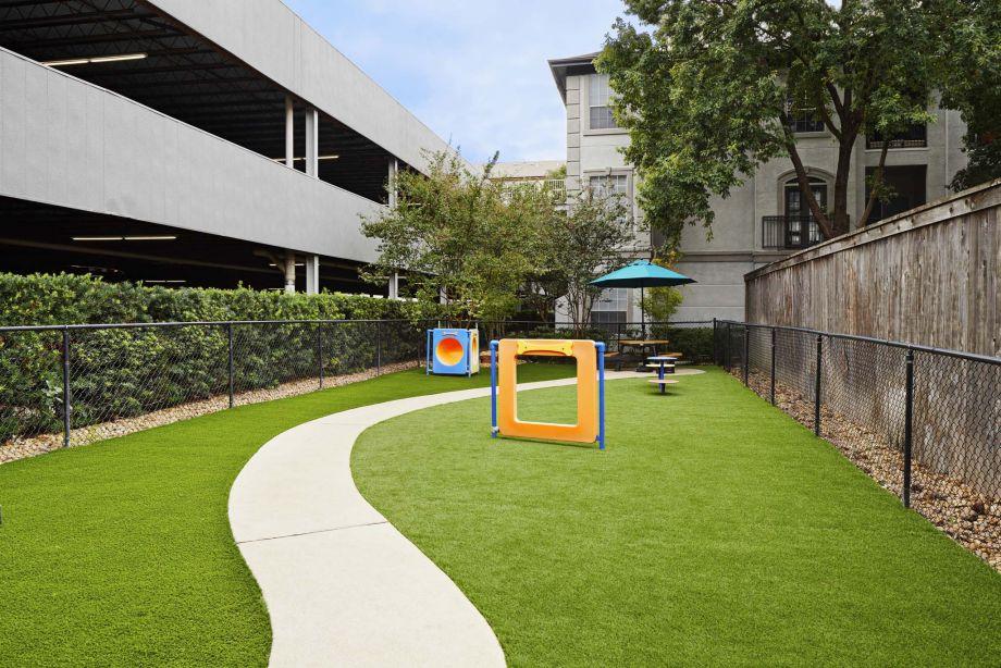 1 2 Bedroom Apartments In Houston Tx Camden Midtown