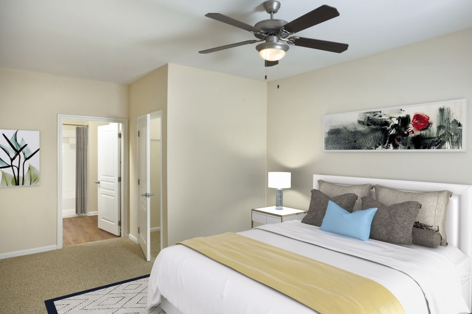 Bedroom at Camden Orange Court Apartments in Orlando, FL