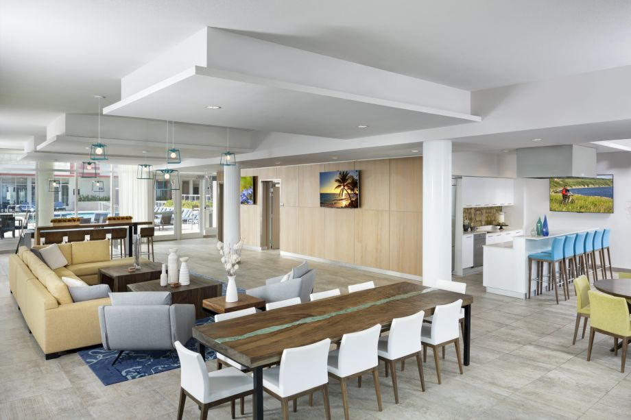 Sky Lounge at Camden Pier District Apartments in St. Petersburg, FL