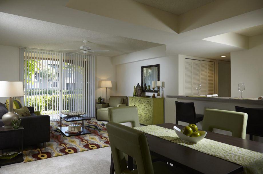 Living Room at Camden Plantation Apartments in Plantation, FL
