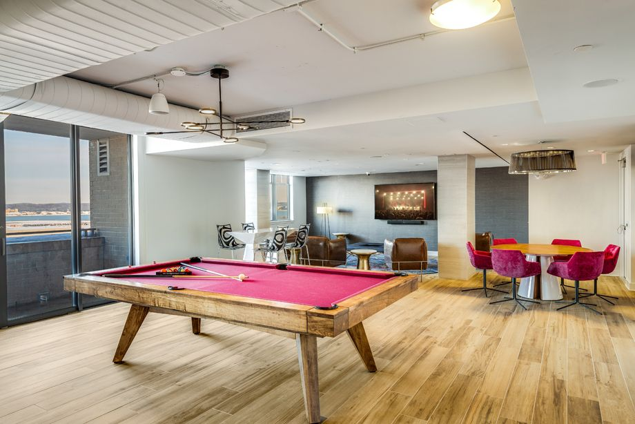 Resident Lounge with Billiards Table at Camden Potomac Yard Apartments in Arlington, VA