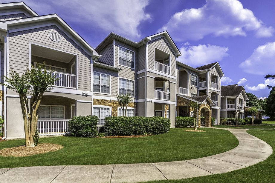 Exterior of Camden Shiloh Apartments in Kennesaw, GA