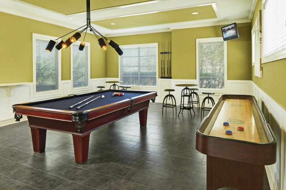 Resident Lounge with Billiards and Shuffleboard at Camden South Bay Apartments in Corpus Christi, TX