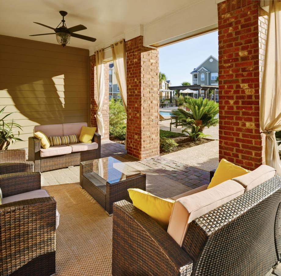 Outdoor Lounge at Camden South Bay Apartments in Corpus Christi, TX