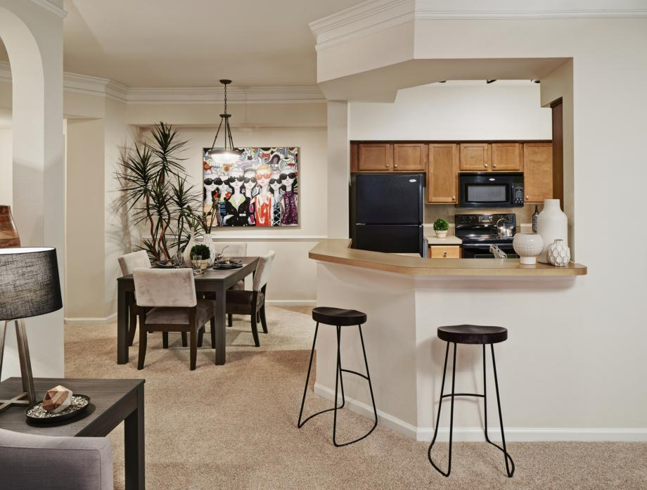 Open Concept Kitchen and Dining Area at Camden South Bay Apartments in Corpus Christi, TX