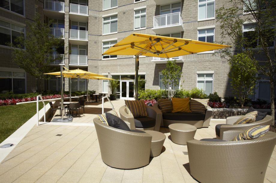 Courtyard at Camden South Capitol Apartments in Washington, DC