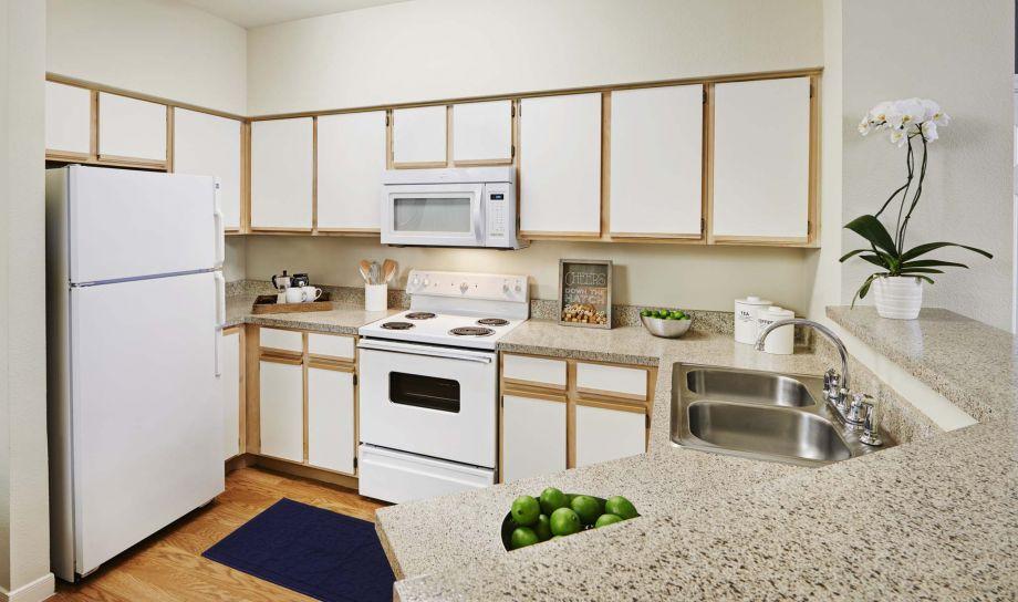 1 2 Bedroom Apartments In Stafford Tx Camden Sugar Grove