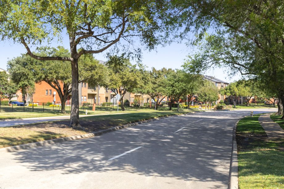 Neighborhood around Camden Valley Park Apartments in Irving, TX