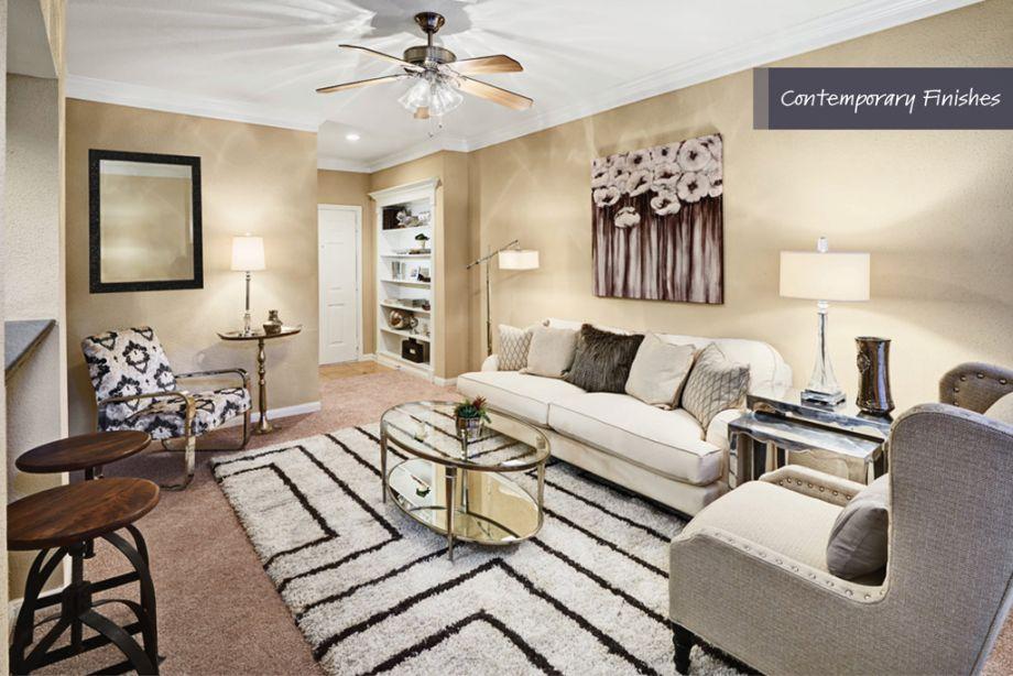 Living Room and entry at Camden Vanderbilt Apartments in Houston, TX