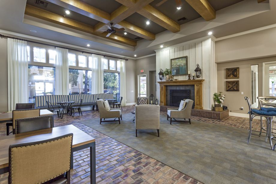 Clubhouse at Camden Vineyards Apartments in Murrieta, CA