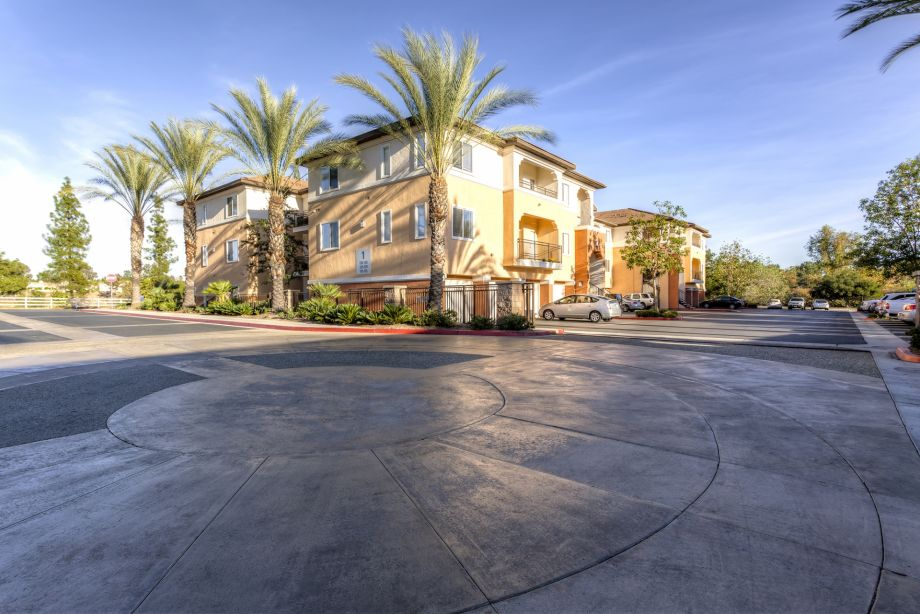 Exterior of Building at Camden Vineyards Apartments in Murrieta, CA