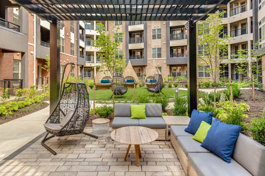 Outdoor Zen Courtyard at Camden Washingtonian Apartments in Gaithersburg, MD