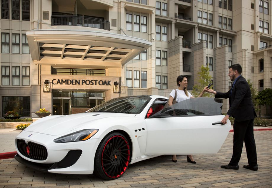 Valet Services at Camden Post Oak High Rise Luxury Apartments in Houston Galleria, Texas