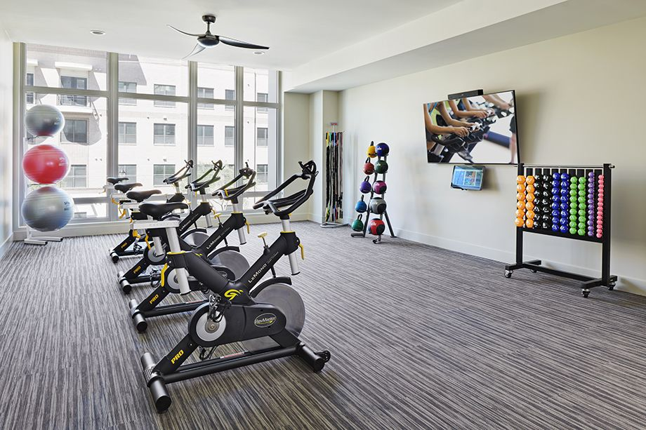 Camden McGowen Station Midtown Houston Townhomes yoga and spin bikes