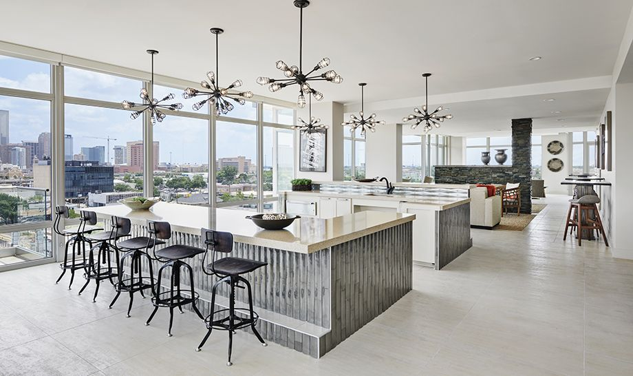 Camden McGowen Station Midtown Houston Townhomes sky lounge