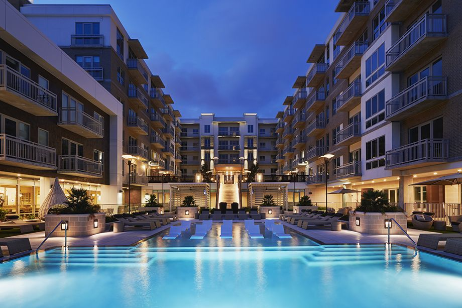 Camden McGowen Station Midtown Houston Townhomes pool at night