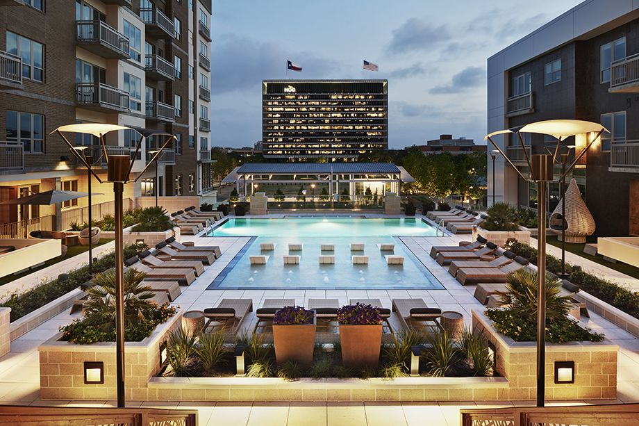 Camden McGowen Station Midtown Houston Townhomes pool at sunset