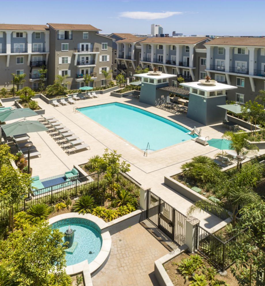 Swimming Pool and Spa at Camden Harbor View Apartments in Long Beach, CA