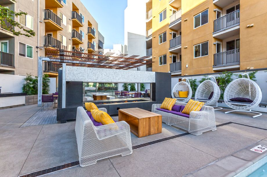 Outdoor Fireside Lounge at Camden Glendale apartments in Glendale, CA