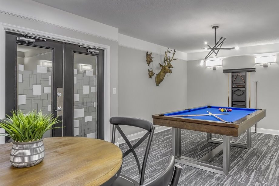 Resident Lounge at Camden Grandview Townhomes in Charlotte, NC