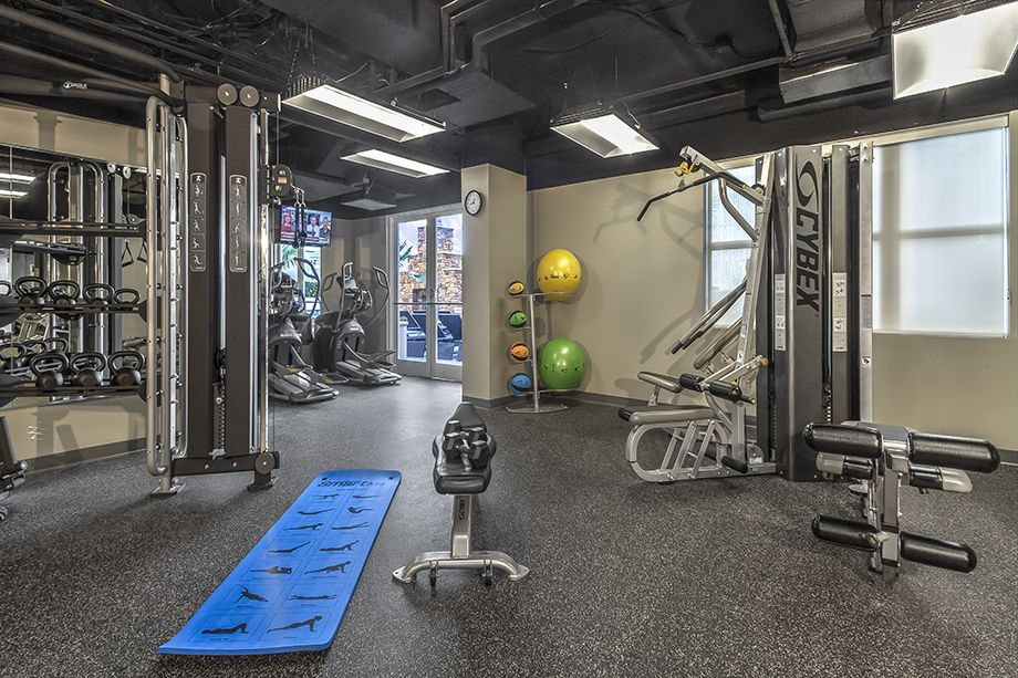 Fitness center at Camden Grandview Townhomes in Charlotte, NC