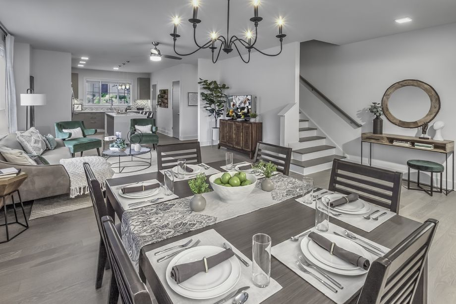 Dining Area at Camden Grandview Townhomes in Charlotte, NC