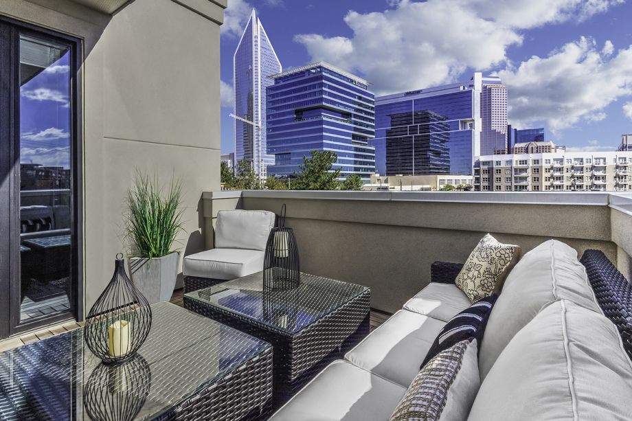 Rooftop Terrace at Camden Grandview Townhomes in Charlotte, NC