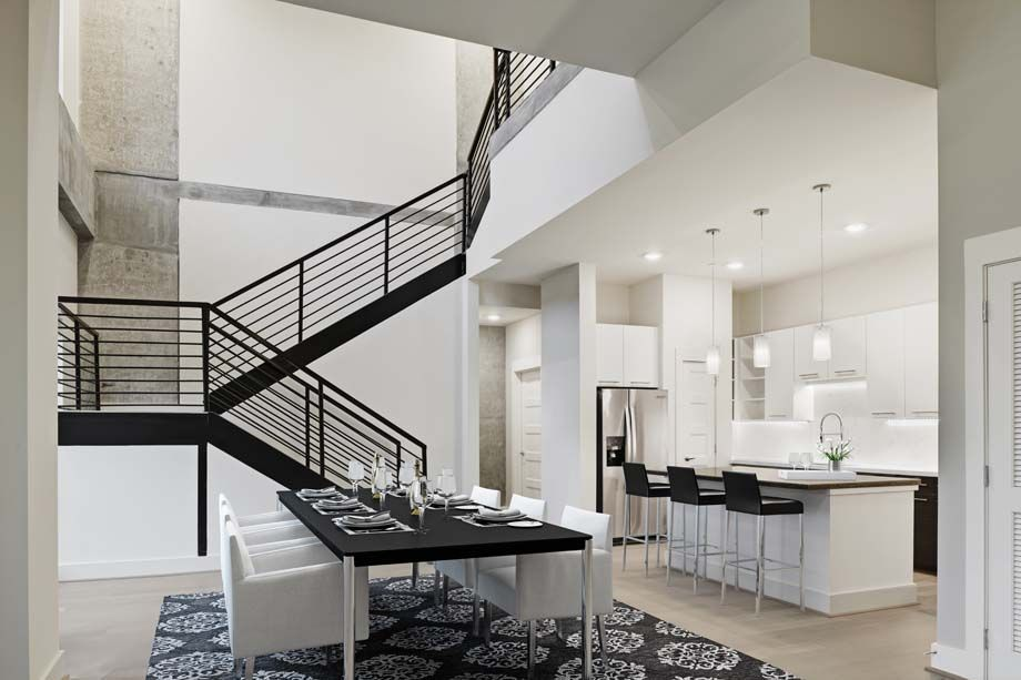 Camden McGowen Station Midtown Houston Townhomes expansive living room and kitchen