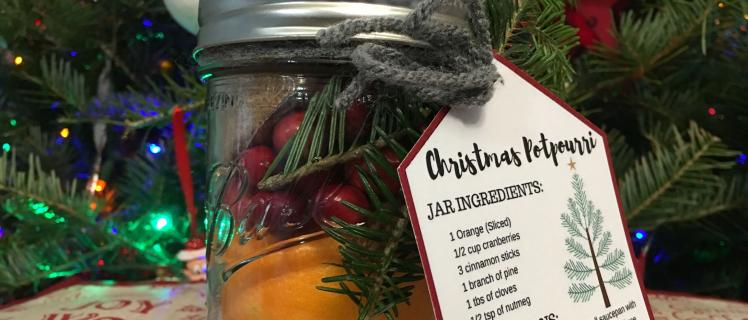 Cheap DIY Gift Easy Holiday Potpourri Jars