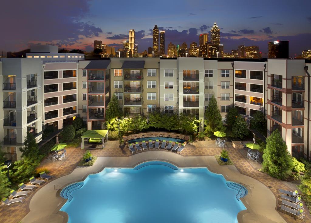 Camden Vantage's amazing pool